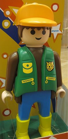 Playmobil g ant photo de groupe n 32 playmobil g ant playmobil giant - Playmobil geant decoration ...