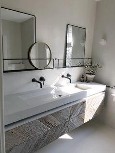 Double Sink Vanity, Sharing the bathroom in the morning can be hard with just one sink. If you share the restroom in the morning with your family or significant other, then a double vanity will give you all space to extend. Bathroom Spa, Bathroom Toilets, Diy Bathroom Decor, Bathroom Furniture, Modern Bathroom, Bathroom Cabinets, Bathroom Remodeling, Remodeling Ideas, Modern Shower Curtains