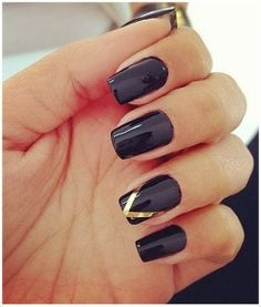 Adorable nail art fashion with Golden Colored layer