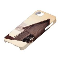 Snowing Rustic Barn iPhone 5 Cases