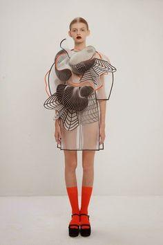 Noa Raviv: haz espacio en tu guardarropa...llega la moda 3D