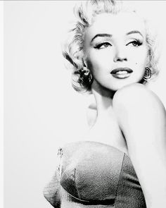 """Marilyn Monroe -- """"Old"""" Hollywood Starlet - Publicity Shot- Love this Glamour Pose. Divas, Pin Up, Hollywood Glamour, Old Hollywood, Jennifer Grey, Robert Mapplethorpe, Annie Leibovitz, Marilyn Monroe Photos, Marilyn Monroe Drawing"""