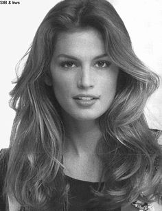 """Cynthia Ann """"Cindy"""" Crawford born February an American former model. Known for her trademark mole just above her lip, Crawford ha. Claudia Schiffer, Jennifer Aniston, Cindy Crawford Photo, Divas, Korean Beauty Tips, French Beauty Secrets, Original Supermodels, 90s Models, Grunge Hair"""