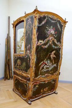 18th Century Gilded Sedan Chair   From a unique collection of antique and modern chairs at http://www.1stdibs.com/furniture/seating/chairs/