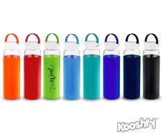 KOOSHTY KLEAN GLASS DRINKING BOTTLE 700ml glass drinking bottle with an insulating and protective silicone sleeve. The wide bottle mouth and the removable infusion filter give you the option to flavour your water with fruit and herbs.