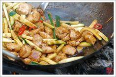 Курица Гун Бао Цзи Дин от fatduck.ru - рецепт на Российский Wok-Shop