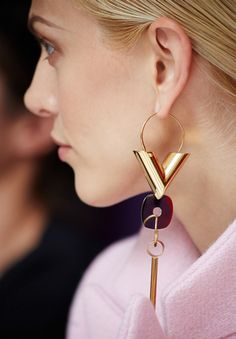 Aymeline Valade in Louis Vuitton earring