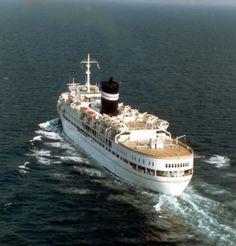 SS Uganda - school cruise ship