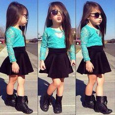 Stylish kids in beautiful clothes roupas infantil feminina, roupas de menina, roupas de crianças Little Girl Outfits, Cute Outfits For Kids, Little Girl Fashion, Toddler Outfits, Children Outfits, Fashion Kids, Toddler Fashion, Young Fashion, Fashion Spring