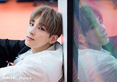 Seventeen at Behind The Scene Photo Shoot Teen Age Jeonghan, Diecisiete Wonwoo, Seungkwan, Woozi, Seventeen Wonwoo, Seventeen Debut, Fanfiction, Won Woo, Adore U