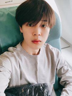 Day Him and his love for selfies ❤ - - - - - bts btsarmy army music kpop jiminie jimin parkjimin suga yoongi agustd tae taehyung v jungkookie jungkook kookie jhope hope jin worldwidehandsome rm rapmonster namjoon Jimin Selca, Park Ji Min, Vlive Bts, Bts Twt, Bts Bangtan Boy, Yoonmin, Busan, Jikook, Namjoon