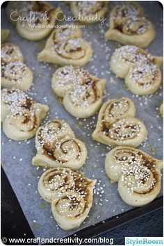 I think you could do these with the pre-made rolls in the cans!! Easy & fun!!