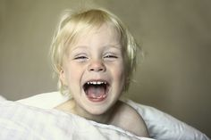 Toddlers learn better when you make them giggle