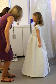 yes, it's oscar de la renta. yes, it is probably a million dollars. but OMGSOCUTE. Stunning Wedding Dresses, Wedding Dresses Photos, Wedding Designs, Wedding Styles, Holy Communion Dresses, Wedding With Kids, Bridal Fashion Week, Bridesmaid Flowers, Flower Girl Dresses
