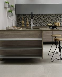 Cement-look tiles bring the modern metro style to life. Mix and match the look with wood and metal to create your own distinctive modern kitchen style. Kitchen Styling Modern, Modern Accessories, Modern Design, Home Decor, Kitchen, Metro Style, Kitchen Style, Urban Living, Wood And Metal