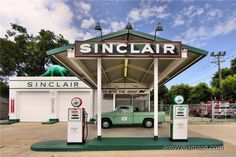Sinclair Gas Station Dinosaur   Historic Sinclair Station