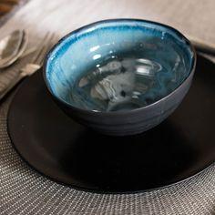 Handgemachte Keramikschüsseln, innen blau und aussen schwarz, im 2er-Set Tableware, Kitchen, Shun Cutlery, Blue, Black, Cucina, Dinnerware, Cooking, Dishes