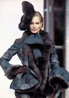 Dior by Gianfranco Ferre Fashion Show details