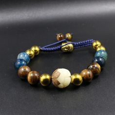 Fil Bleu, Bleu Marine, Little Things, Pretty Little, Beaded Bracelets, Jewelry, Natural Stones, Carved Wood, Buddha