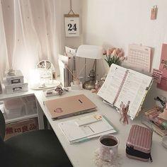 Study Room Decor, Room Ideas Bedroom, Bedroom Decor, Cute Room Ideas, Cute Room Decor, Study Corner, Desk Inspiration, Desk Inspo, Aesthetic Room Decor