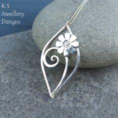 Daisy Swirl Leaf Sterling Silver Pendant - Flower Wirework Metalwork £45.00