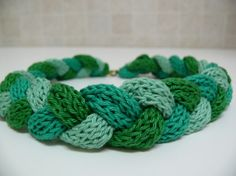 NATURE GREENS knitted necklace