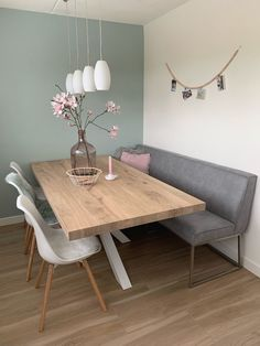 Dining room - check out furniture ideas .- Esszimmer – Schau dir an Möbel Ideen – home decor diy Dining Room Check out Furniture Ideas - Luxury Dining Room, Dining Room Design, Dining Room Furniture, Furniture Ideas, Dining Room Colour Schemes, Dining Rooms, Home And Living, Modern Living, Minimalist Living