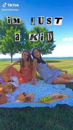 Aesthetic Indie, Aesthetic Videos, Aesthetic Girl, Aesthetic Pictures, Estilo Indie, Best Friend Pictures, Bff Pictures, Retro Pictures, Best Friends Aesthetic