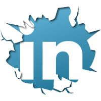 You - the job-seeker - NEED to be on LinkedIn. LinkedIn is a goldmine for making business and career connections. Social Media Tips, Social Networks, Social Media Marketing, Social Studies, Online Marketing, Digital Marketing, Marca Personal, Personal Branding, Resume Writing Services