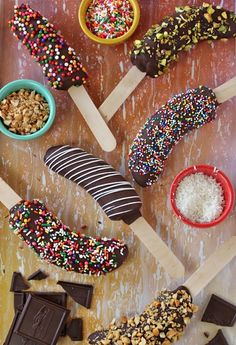 I want to try all of them! Frozen Banana Pops are so fun too. I want to try all of them! Frozen Banana Pops are so fun too. Healthy Birthday Cake Alternatives, Healthy Birthday Cakes, Birthday Party Treats, Snacks Für Party, Fruit Party, Cake Birthday, Frozen Birthday, Kids Birthday Party Ideas, Birthday Sweets