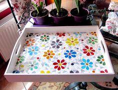Tray/Daisy Tray/ Serving Tray/Mosaic Tray/Floral Tray by byGuls Mosaic Tray, Mosaic Tile Art, Mosaic Crafts, Mosaic Projects, Mosaic Glass, Mosaics, Square Tray, Mosaic Flowers, Mosaic Madness