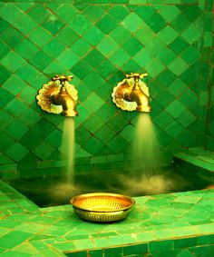 a turkish bath with green tiles and gold-colored brass taps. the color combo is quite pre-raphaelite, Color Inspiration, Emerald Green and Gold Weddings, Wedding Color Schemes Go Green, Green And Gold, Pretty Green, Kelly Green, Green Fruit, Green Copper, Bright Green, Brass Tap, Gold Taps