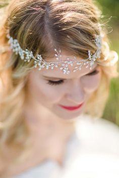 Romantisches Elopement in Rot & Weiß auf dem Zeller Horn JULIA BASMANN http://www.hochzeitswahn.de/inspirationsideen/romantisches-elopement-in-rot-weiss-auf-dem-zeller-horn/ #wedding #inspiration #bride
