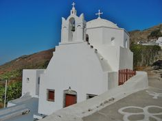 Finikia church