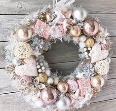 rosa Türkranz für Advent - blush advent wreath - New Ideas Noel Christmas, Christmas Crafts, Christmas Ornaments, Xmas, Christmas Christmas, Shabby Chic Christmas, Victorian Christmas, Pink Christmas Decorations, Christmas Themes