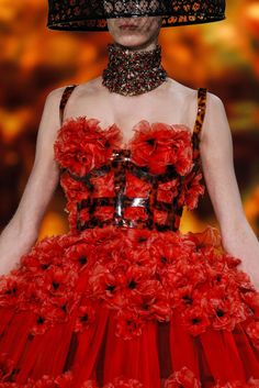 Alexander McQueen Spring 2013 Ready-to-Wear Fashion Show Details