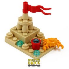 LEGO-Beach-Sandcastle-with-Bucket-Flag-amp-Lego-Crab