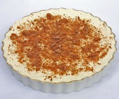 Decadent Banoffee Pie Recipe - A Pinch of This, a Dash of That Desserts Crus, Easy No Bake Desserts, Raw Desserts, Dessert Recipes, Candy Recipes, Banoffee Pie, Kiwi Recipes, Greek Recipes, Chocolate Cream Cheese