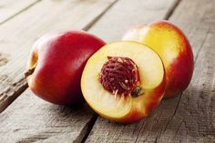 Although not consumed by many, Nectarines are popular fruits loaded with health benefits. Similar to peaches and plums, Nectarines are tasty fruits. Low Calorie Fruits, Getting Rid Of Bloating, Lose 40 Pounds, Can Dogs Eat, Fruit Drinks, Best Fruits, Calories, Mozzarella, Chow Chow