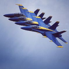 The #Navy #BlueAngels performing at the 2010 Dayton Vectren Airshow.