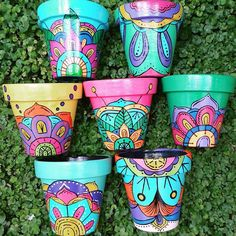 Idea Of Making Plant Pots At Home // Flower Pots From Cement Marbles // Home Decoration Ideas – Top Soop Clay Flower Pots, Flower Pot Crafts, Clay Pot Crafts, Clay Pots, Painted Plant Pots, Painted Flower Pots, Pots D'argile, Flower Pot People, Decorated Flower Pots