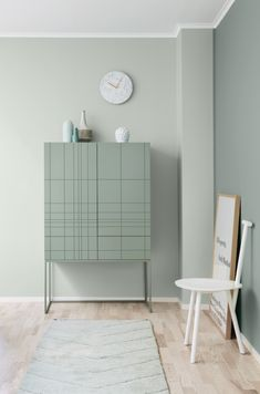 I have three fabulous finds to share with today, each unique in terms of interiorstyle but all undoubtedly Scandinavian. Let's get started!...