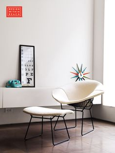 Bertoia Diamond lounge Chair with  Full Cover in Classic Bouclé   Designed by Harry Bertoia for Knoll®