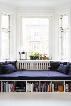 Cool indretning for få kroner Small Living, Living Spaces, Living Area, Decor Room, Bedroom Decor, Home Decor, Diy Sofa, Other Rooms, Dining Room Furniture