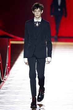 Dior Homme | Menswear - Autumn 2016 | Look 1