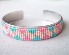 Loom Bracelet Patterns, Bead Loom Bracelets, Bead Loom Patterns, Cuff Bracelets, Shakira, Loom Beading, Wire Jewelry, Seed Beads, Projects To Try