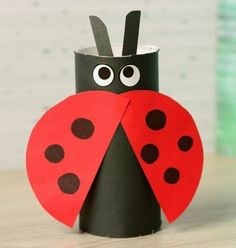 Toilet Paper Roll Crafts - Get creative! These toilet paper roll crafts are a great way to reuse these often forgotten paper products. You can use toilet paper Kids Crafts, Summer Crafts, Toddler Crafts, Creative Crafts, Preschool Crafts, Arts And Crafts, Creative Things, Creative Art, Simple Crafts