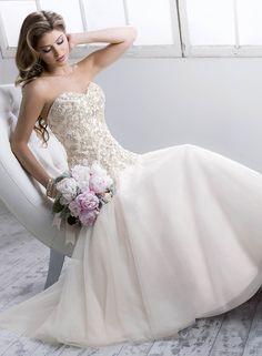 7a27fb9484b7 model QUINCY značka SOTTERO MIDGLEY Tento kúzelný model svadobných šiat  nájdete od marca 2014 vo svadobnom salóne
