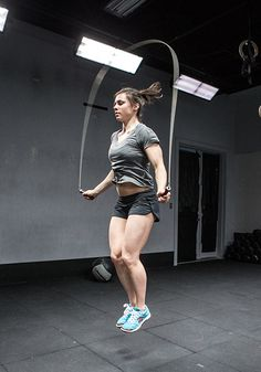 Struggling with the Double Under? Here's seven steps to mastering the CrossFit skill. The key is in the jump rope.