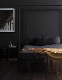black paint trend for the bedroom -- definitely need to balance it with lots of natural lighting